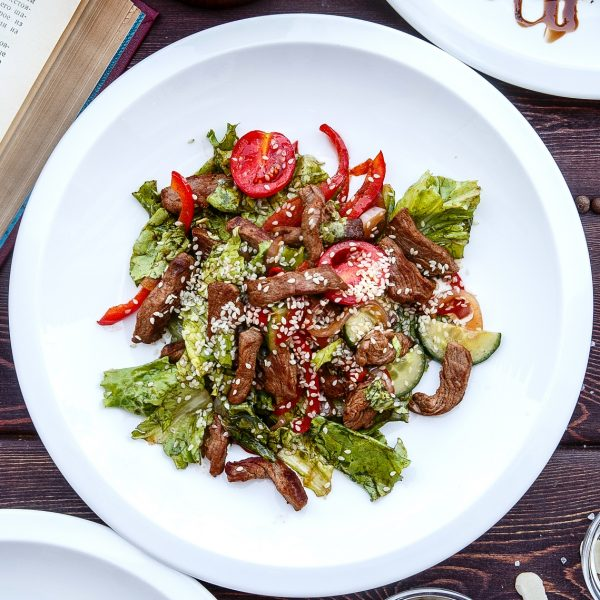 320A8326_теплый салат с говяд